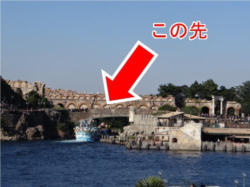 ディズニーの噂・裏技・裏話_ディズニーシーの水上ショーでバージ(船)の格納庫はどうなっているのか