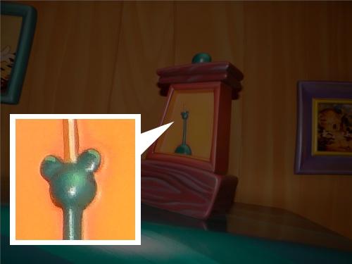 ディズニーの噂・裏技・裏話_「ミッキーの家とミートミッキー」のメトロノームに隠れミッキーが