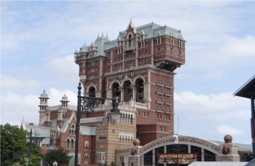 タワー・オブ・テラーがハンマーのような形をしている理由