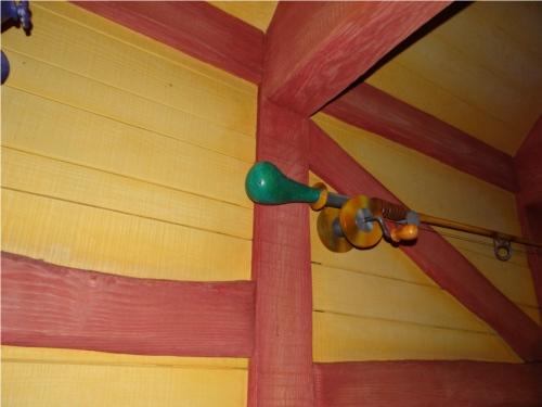 ディズニーの噂・裏技・裏話_「ミッキーの家とミートミッキー」の出口に隠れミッキー