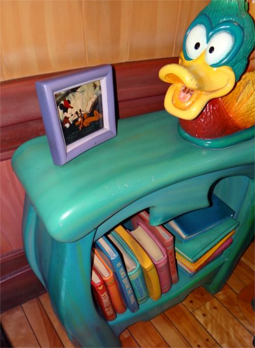ディズニーの噂・裏技・裏話_「ミッキーの家とミートミッキー」の本に隠れミッキー