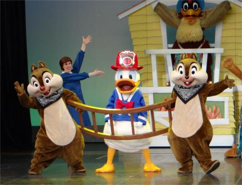 ディズニーの噂・裏技・裏話_ディズニーキャラクターの身長は138cmから152cm