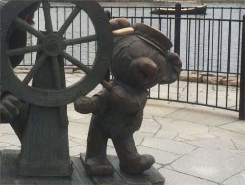 ディズニーの噂・裏技・裏話_ケープコッドのミッキー像にダッフィーが仲間入り