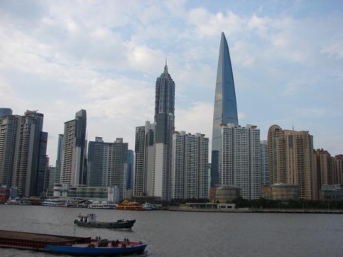 ディズニーのトリビア・裏話_上海ディズニーランドの影響で企業150社以上が閉鎖