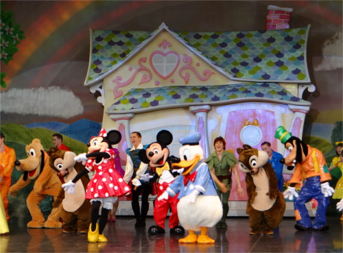 ディズニーのトリビア・裏話_東京ディズニーランドのチケットを安く手に入れる方法