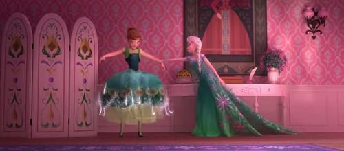 ディズニーのトリビア・裏話_衝撃事実!ターザンはアナとエルサの弟