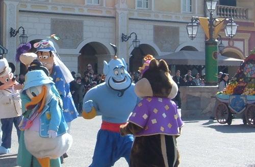 ディズニー雑学・トリビア・裏話_ジーニーが青でジャファーが赤の理由