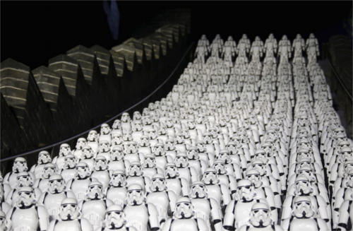 ディズニー雑学・トリビア・裏話_万里の長城をストームトルーパーが占拠!?世界遺産が異様な雰囲気に