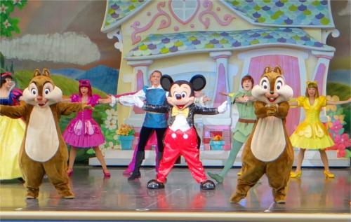 ディズニー雑学・トリビア・裏話_紅白歌合戦でスター・ウォーズと嵐、ディズニーとV6がコラボ