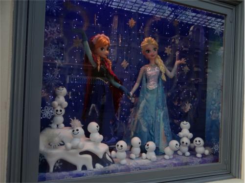 「アナとエルサのフローズンファンタジー」の準備着々と!アナ雪イベントを盛り上げるフォトロケーション_アナ・エルサ