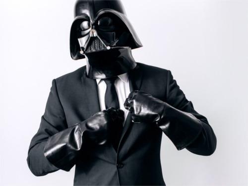 スーツを着るダース・ベイダー