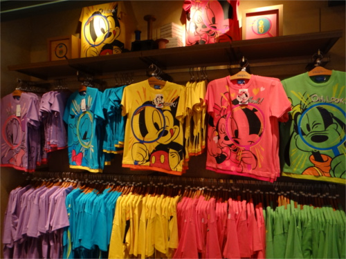 ディズニーリゾートでイチオシのグッズランキングTOP10_Tシャツ1