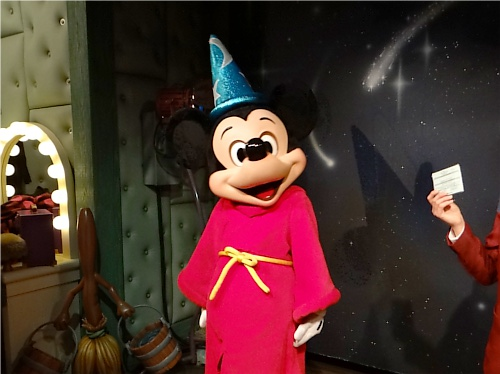 ウエスタンランドにドナルド&デイジーのキャラクターグリーティングが11月オープン_1