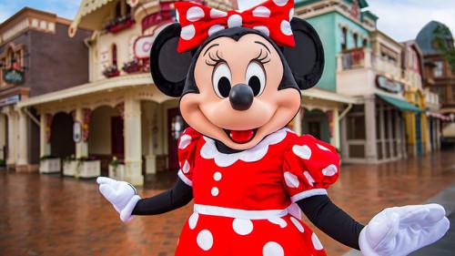 上海ディズニーランドのミッキー&ミニーの顔が公式なのに偽物感が半端ない_2
