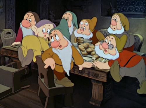 白雪姫で七人のこびとが歌う「ハイホー」の意味_1
