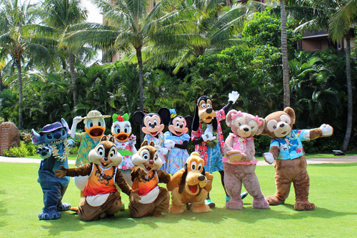 ハワイのアウラニで5周年を記念して新キャラクター登場!いつの間にかミッキーミニーの顔にも変化