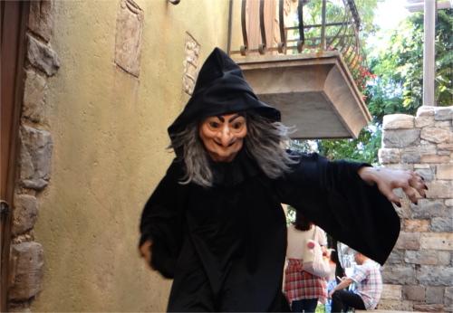 ディズニーヴィランズで一番悪い奴ランキングTOP3_「白雪姫」の王妃