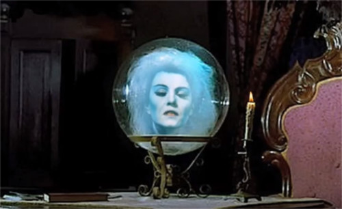 ホーンテッドマンションの水晶の女性「マダム・レオタ」のモデルとなった人物