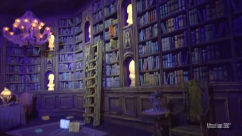 ホーンテッドマンション_図書室