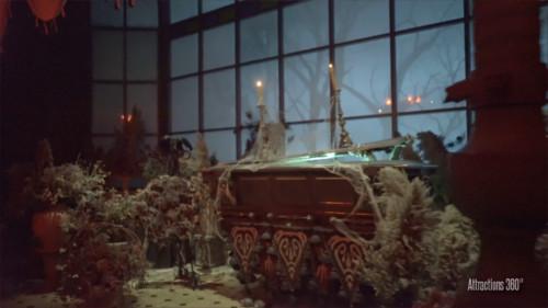 ホーンテッドマンション_棺桶の亡霊