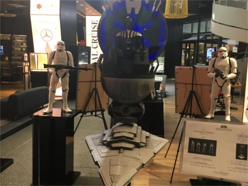 メルセデスミー東京(六本木)で期間限定のスターウォーズ・アイテム展示会!_2