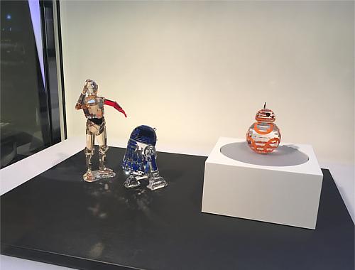 メルセデスミー東京(六本木)で期間限定のスターウォーズ・アイテム展示会!_6