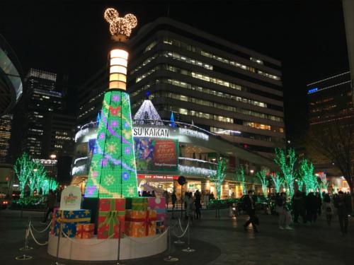 有楽町駅前広場のディズニーキャラクター・クリスマスツリーがとにかく綺麗_ノーマル