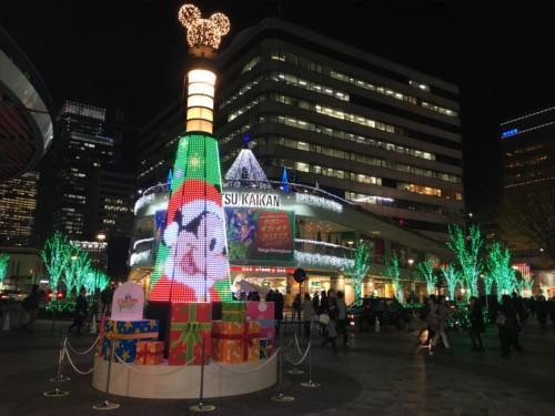 有楽町駅前広場のディズニーキャラクター・クリスマスツリーがとにかく綺麗_ミッキー