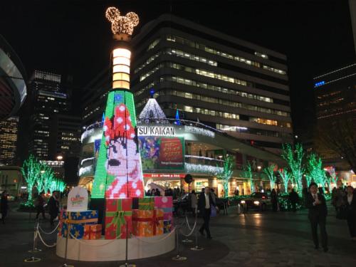 有楽町駅前広場のディズニーキャラクター・クリスマスツリーがとにかく綺麗_ミニー