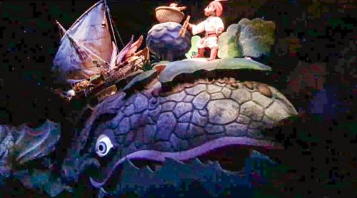 シンドバッド・ストーリーブック・ヴォヤッジのクジラに隠れミッキー_2