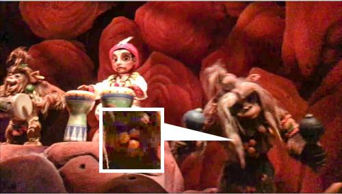 シンドバッド・ストーリーブック・ヴォヤッジで猿の首輪が隠れミッキーに_4