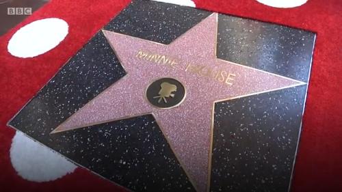 ミニーがハリウッド殿堂入り!殿堂入り4人目のディズニーキャラクター