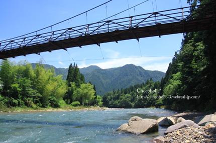 青くてきれいな板取川