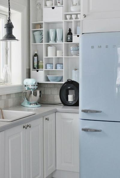 素敵なキッチン 好きな配色 ホワイト×淡いブルー.png