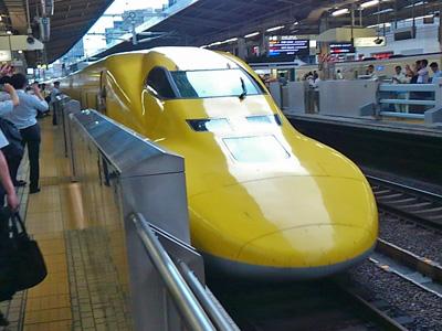 名古屋駅を出発したドクターイエロー