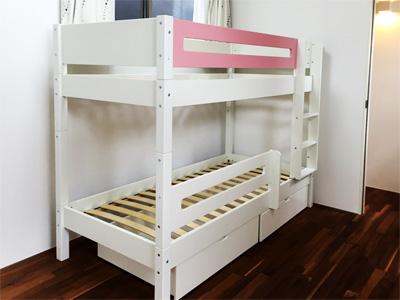 """デンマーク・Manis-h社のシンプルな白い二段ベッド"""""""