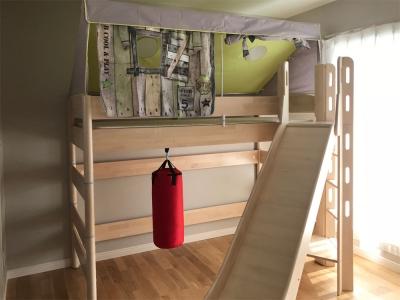 ツリーハウスベッド