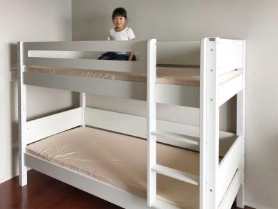 白い二段ベッド.jpg