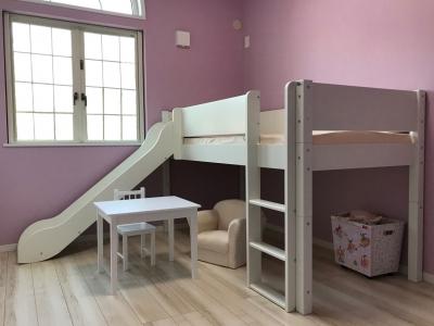 女の子の滑り台ベッド.jpg