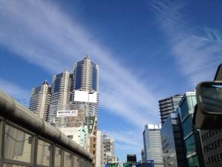 20120103新宿へ向かう空10