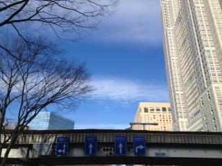 20120103新宿へ向かう空12