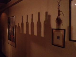 20120710DIMPLE店内たまたまボトル影