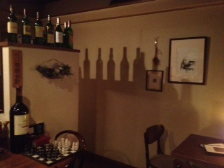 20120710DIMPLE店内ボトルとボトル影