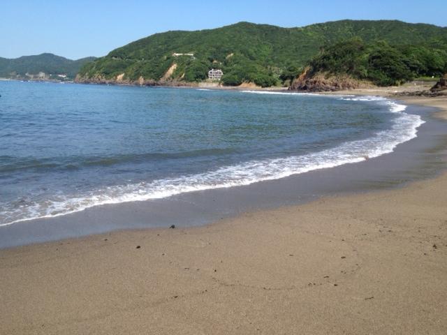 20120817あさ誰もいない海3