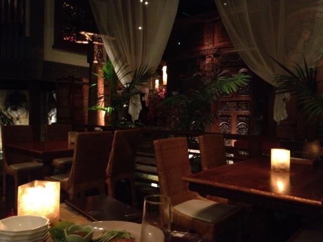 20120917安達朋博バリ料理23店内