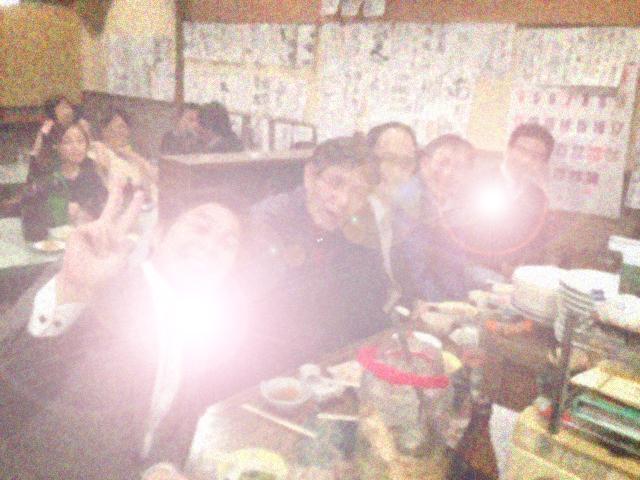 20121130居酒屋ぶる閉店16カウンターぼかし逆光
