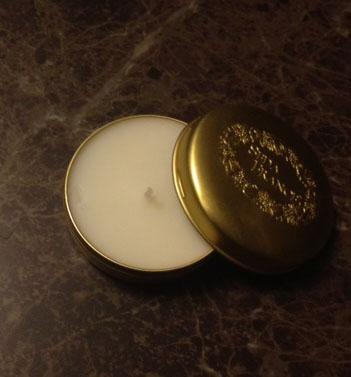 20121227渋谷で買い物01金色トラベルキャンドルふたあけ切抜き