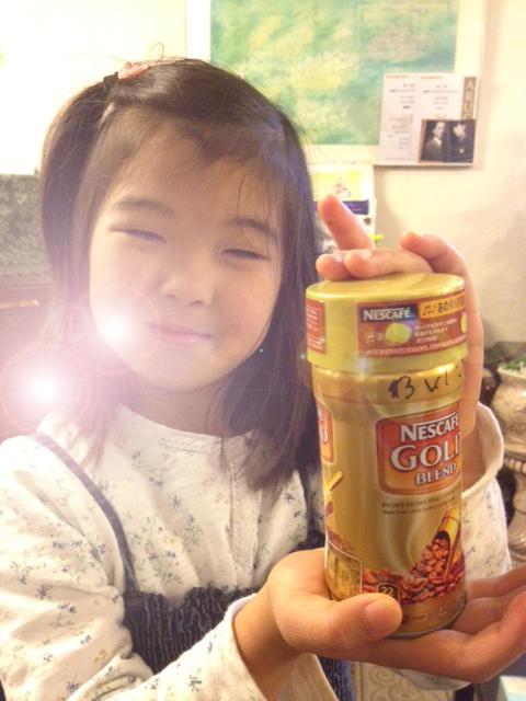 20130131ダバダコーヒー缶逆光