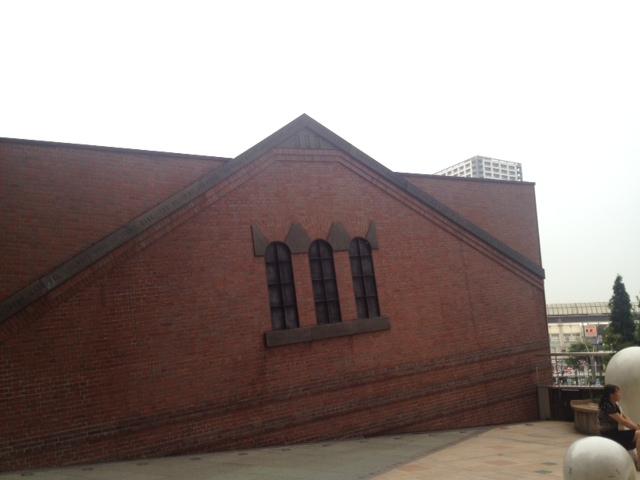 20130618川崎の変な建物