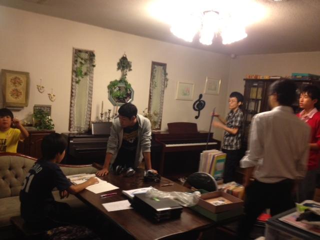 20131001サロン家具移動06